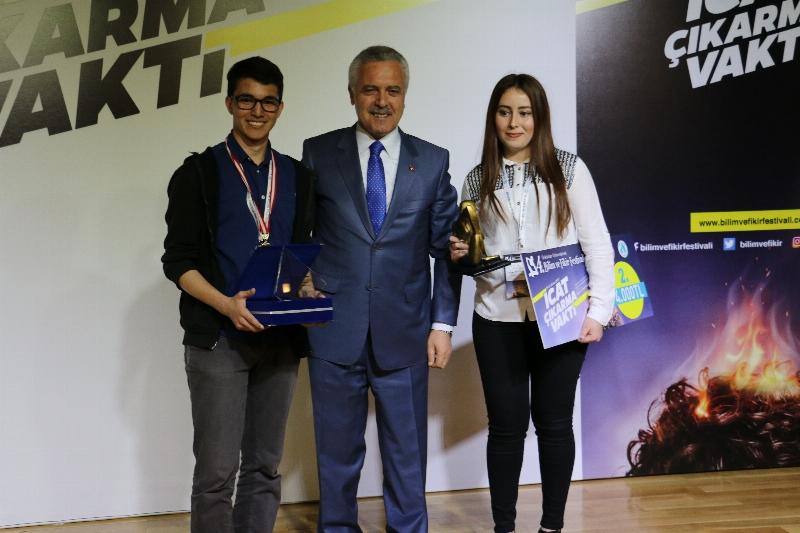 4. Bilim ve Fikir Festivalinde ödüller sahiplerini buldu! 14