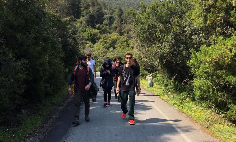 Üsküdarlı öğrenciler Büyükada'yı yürüyerek dolaştı