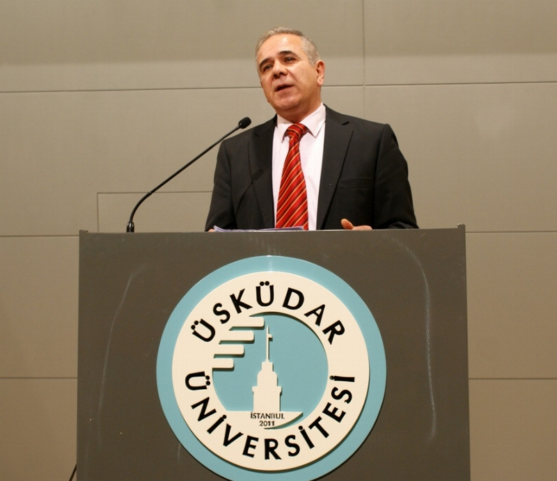 Yılın 'Siyaset Bilimci Ödülü' Prof. Dr. Mithat Baydur'un 2