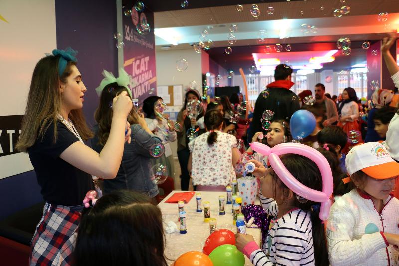 Üsküdar Üniversitesinin şenliği çocukları coşturdu 2