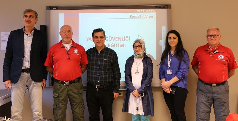 Üsküdar Üniversitesinde gönüllü itfaiyecilik eğitimi 2