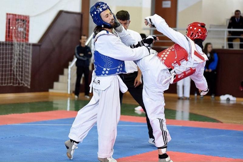 Üniversiteler arası Taekwondo 3'üncüsü Üsküdardan