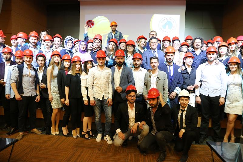 Türkiye'nin ilk baret töreni Üsküdar Üniversitesinde yapıldı.