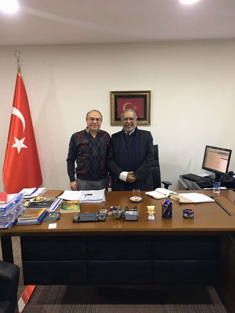 Dr. Jafer Qureshi'den Prof. Dr. Muhsin Konuk'a önemli ziyaret