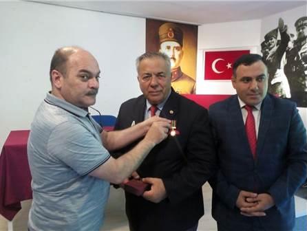 Türkiye-Azerbaycan Dev Kardeşlik Ve Candaşlık Projesi kapsamında Prof. Dr. İbrahim Öztek'e iki madalya