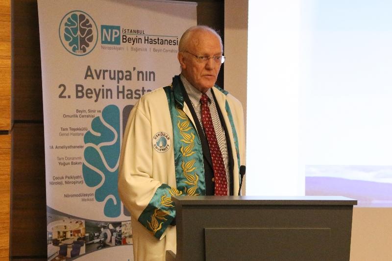 ABD'li psikiyatrist Prof. Dr. Norman Moore'a Üsküdar Üniversitesinden Fahri Doktora 3