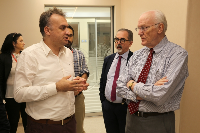 """Prof. Norman Moore: """"This hospital has taken the lead in the World"""" 4"""