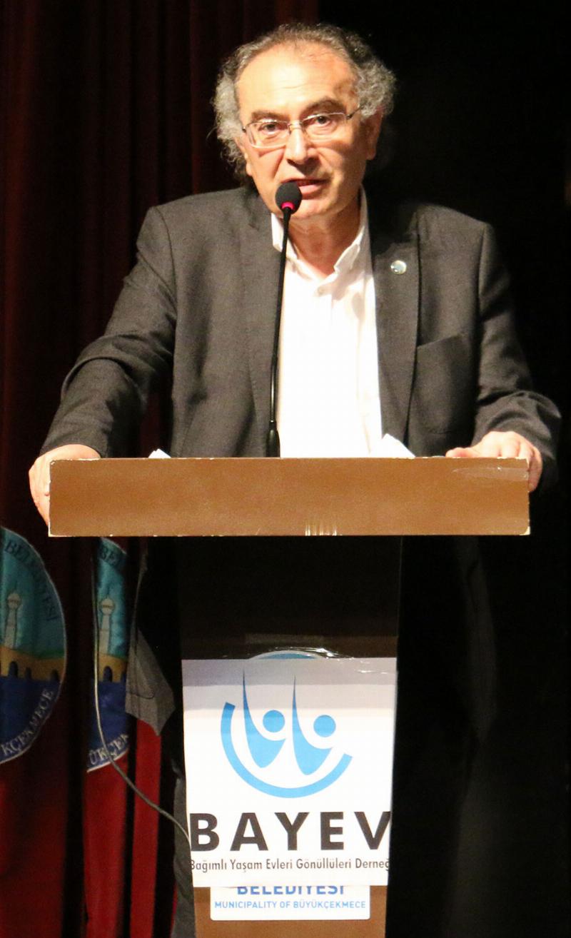 BAYEV'den Prof. Dr. Nevzat Tarhan'a onur ödülü 2