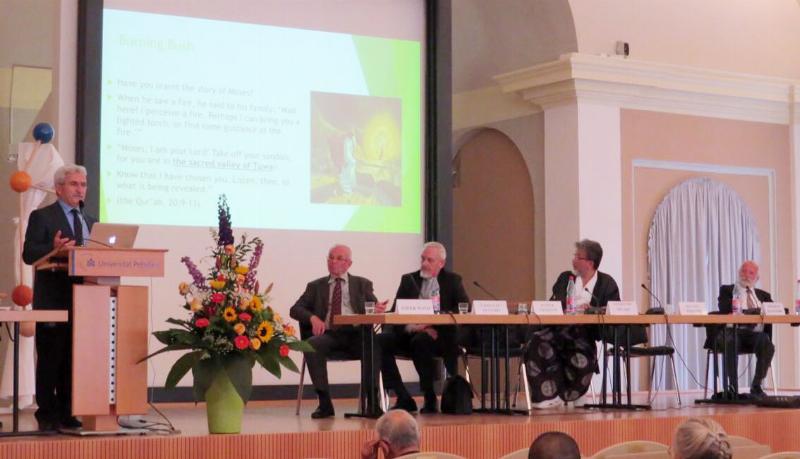 Prof. Dr. İbrahim Özdemir G20'de 'Mülteci Krizine' İslam'ın bakışını anlattı.