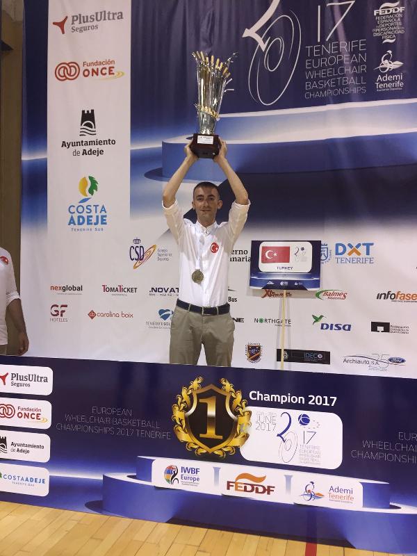 Fizyoterapistliğini Mahmut Çalık'ın yaptığı Tekerlekli Sandalye Basketbol Erkek A Milli Takımımız Avrupa Şampiyonu oldu 2