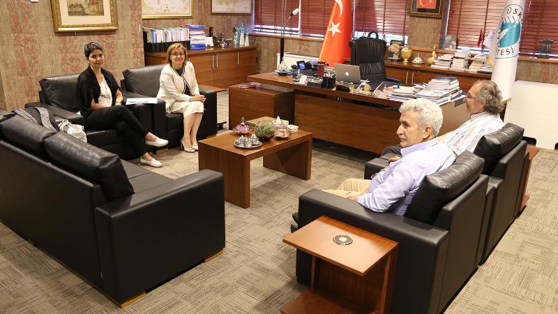 Gaziantep Büyükşehir Belediye Başkanı Fatma Şahin, Prof. Dr. Nevzat Tarhan'ı ziyaret etti