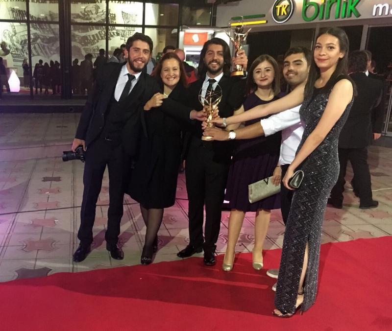 Üsküdar Üniversitesi'nin genç iletişimcilerine TRT'den birincilik ödülü 2
