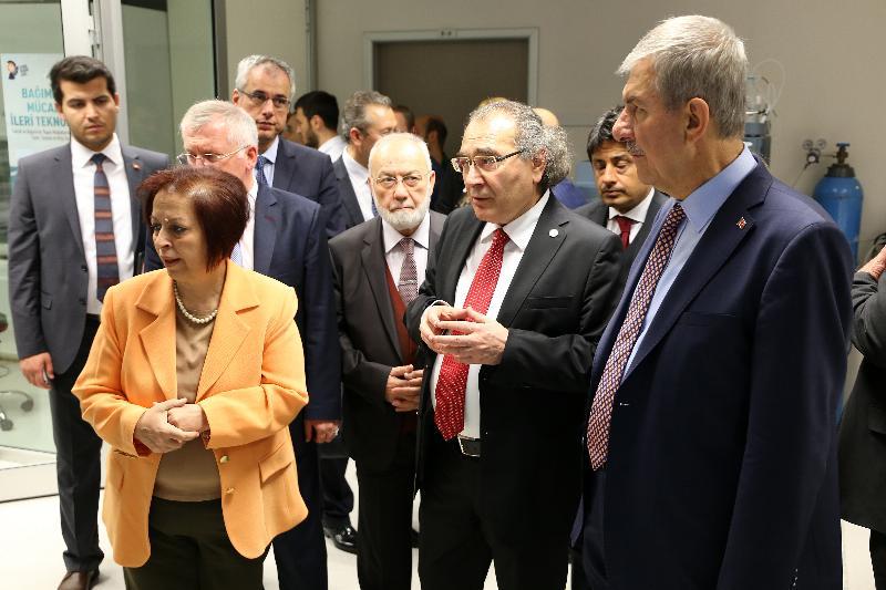 Yeni akademik yılın açılış dersi Sağlık Bakanı Dr. Ahmet Demircan'dan 7