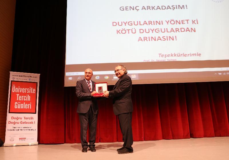 Prof. Dr. Nevzat Tarhan'dan Ordu'da bir günde üç konferans 3