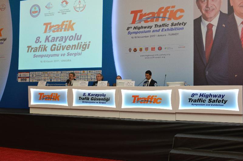"""Prof. Dr. Nevzat Tarhan """"Trafik olgunluğu olmayana ehliyet verilmemeli"""""""