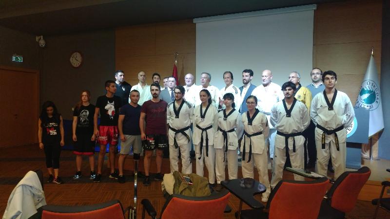 Savunma sporları profesyonelleri öğrencilerle buluştu