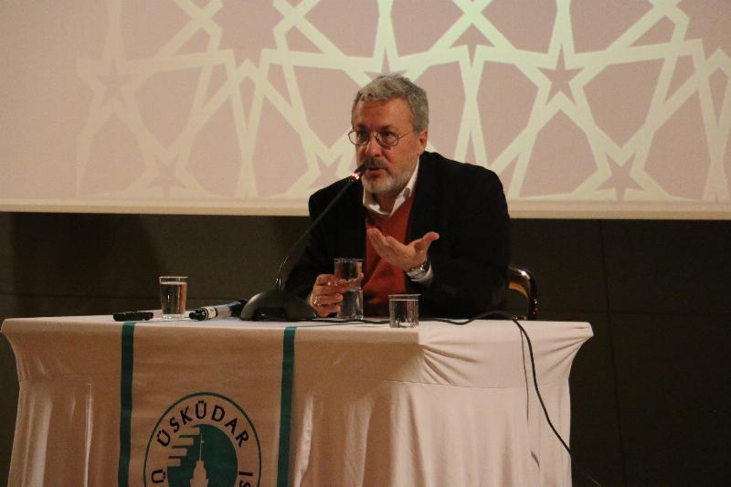 """Prof. Dr. Mahmud Erol Kılıç: """"Hz. Muhammed'i anlamamız ve ruhumuzda hissetmemiz çok önemli"""""""