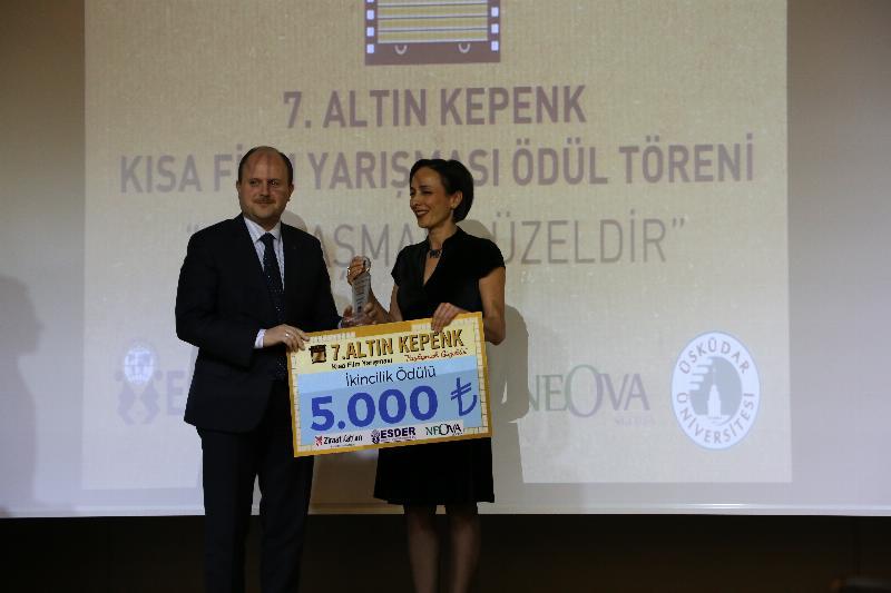 7. Altın Kepenk Film ödülleri Üsküdar Üniversitesinde sahiplerini buldu 8