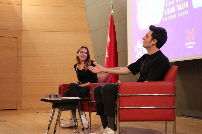 Ünlü çift Üsküdar Üniversitesinde öğrencilerle buluştu 3