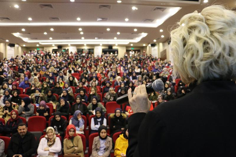 """Atasoy """"Tenzile Erdoğan Kız Anadolu İmam Hatip Lisesi"""" öğrencileriyle buluştu 2"""