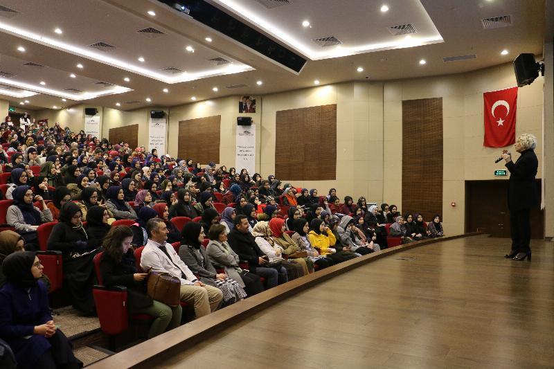 """Atasoy """"Tenzile Erdoğan Kız Anadolu İmam Hatip Lisesi"""" öğrencileriyle buluştu"""