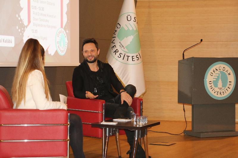 Şarkıcı Özgün Üsküdar Üniversite'sinde