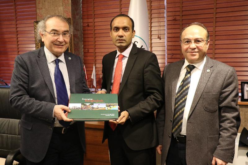 Bangladeş Başkonsolosu Üsküdar Üniversitesini ziyaret etti 2