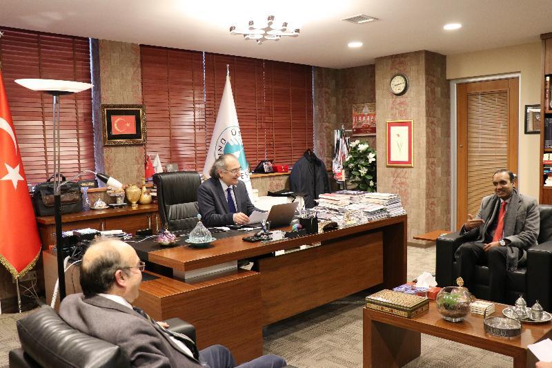 Bangladeş Başkonsolosu Üsküdar Üniversitesini ziyaret etti