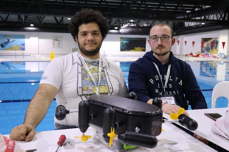 Genç mucitler akıllı robotlarıyla yarıştı 4