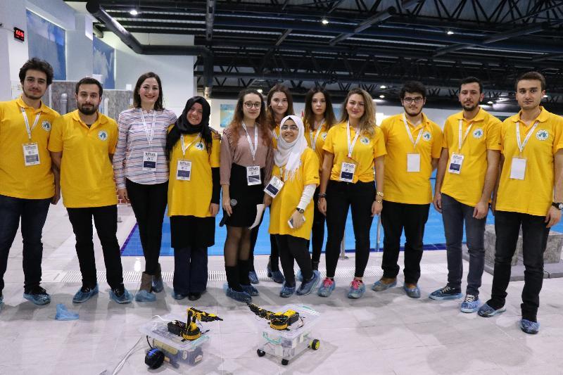 Genç mucitler akıllı robotlarıyla yarıştı 5