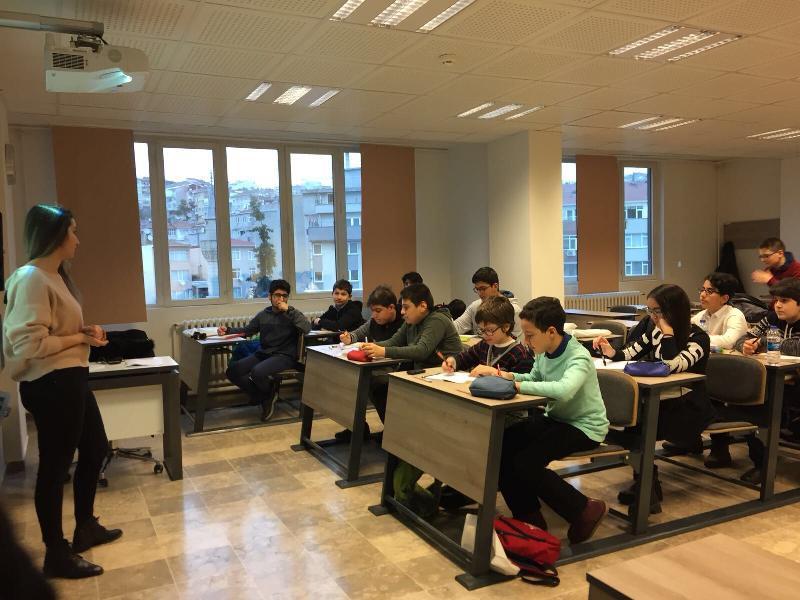 Bilim Olimpiyatları Öğrencileri Üsküdar'da