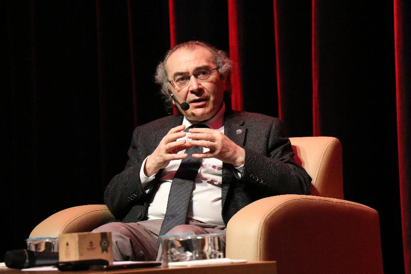 """Prof. Dr. Nevzat Tarhan: """"Evlilikte itaat çift taraflı olmalı."""" 2"""