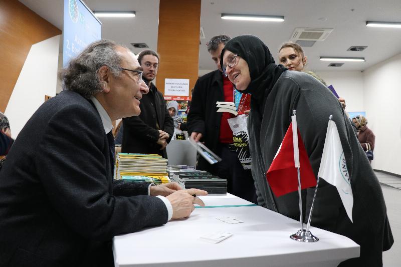 """Prof. Dr. Nevzat Tarhan: """"Evlilikte itaat çift taraflı olmalı."""" 4"""
