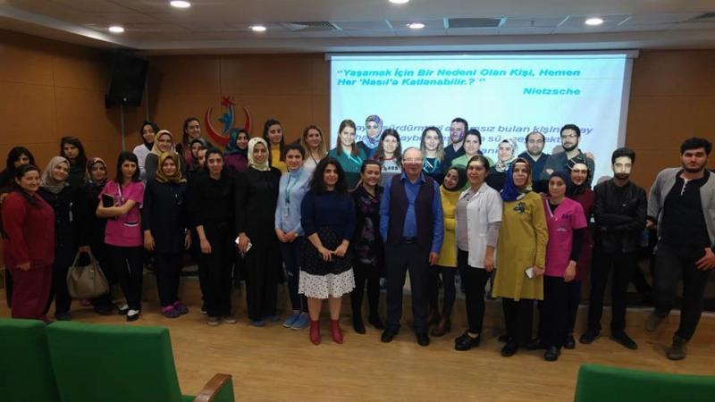Yrd. Doç. Dr. Zülfikar Özkan'dan sağlıkçılara etkili iletişim semineri