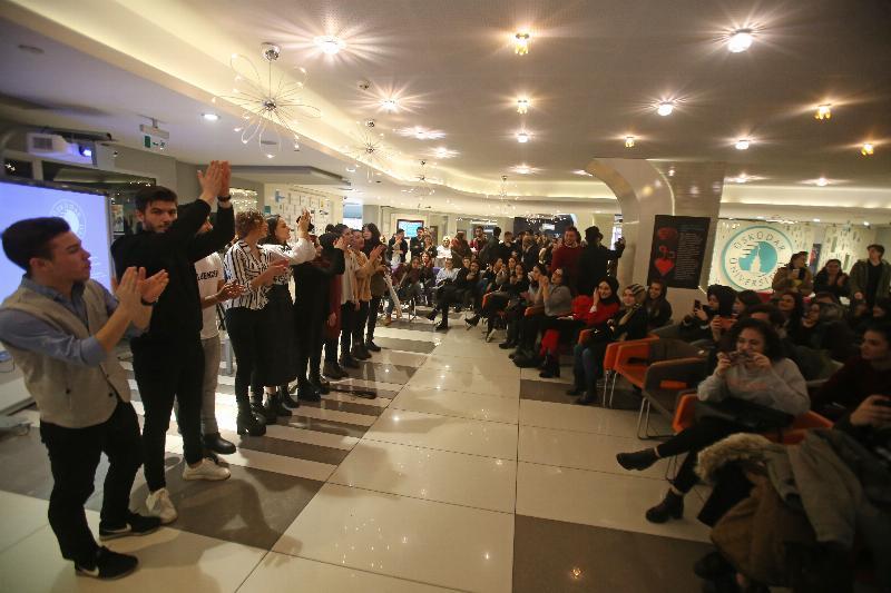 Üsküdar'da renkli '8 Mart Kadınlar günü' kutlaması