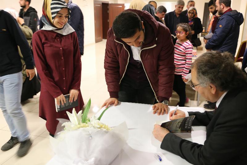 Prof. Dr. Nevzat Tarhan, Uludağ Üniversitesi öğrencileriyle iki konferansta buluştu 6