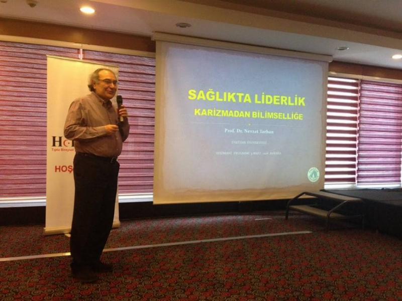 """Prof. Dr. Nevzat Tarhan tıp fakültesi öğrencilerine """"Sağlıkta Liderlik"""" anlattı"""