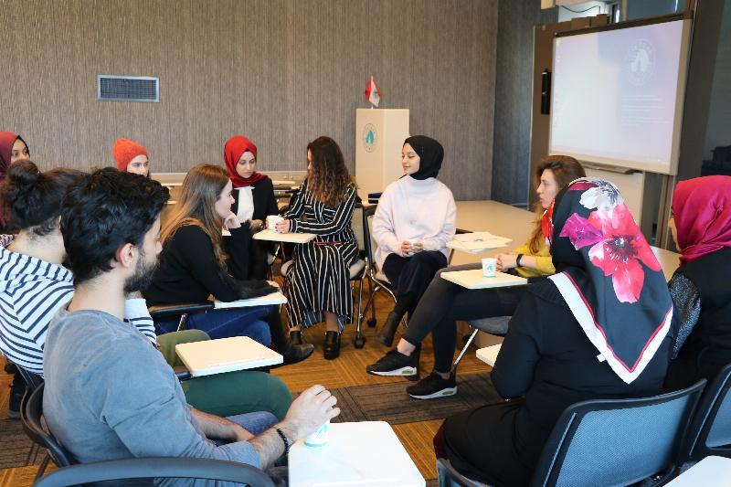 Elis Yılmaz Genç Girişimcilik kulübü üyeleri ile buluştu