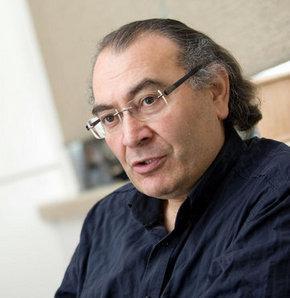Prof. Dr. Nevzat Tarhan: Sürü psikolojisinde, bireysel zihin çalışmaz