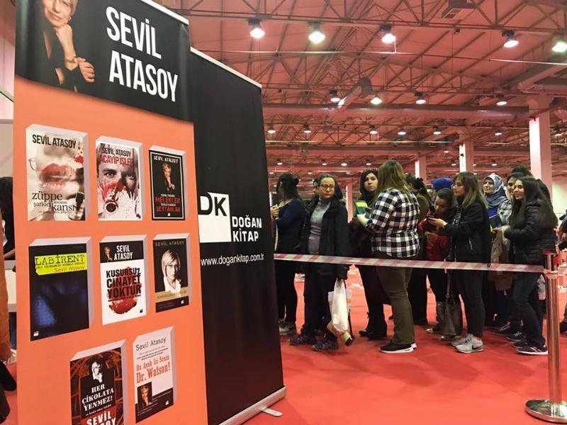 Prof. Dr. Sevil Atasoy Bursa'da kitapseverlerle buluştu 3
