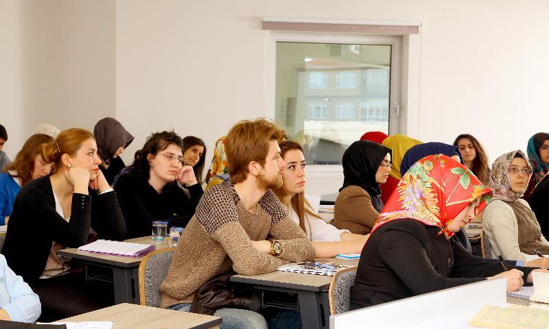 """Üsküdar Üniversitesi, """"Girişimci Genç Beyinlere"""" imkan sunuyor"""