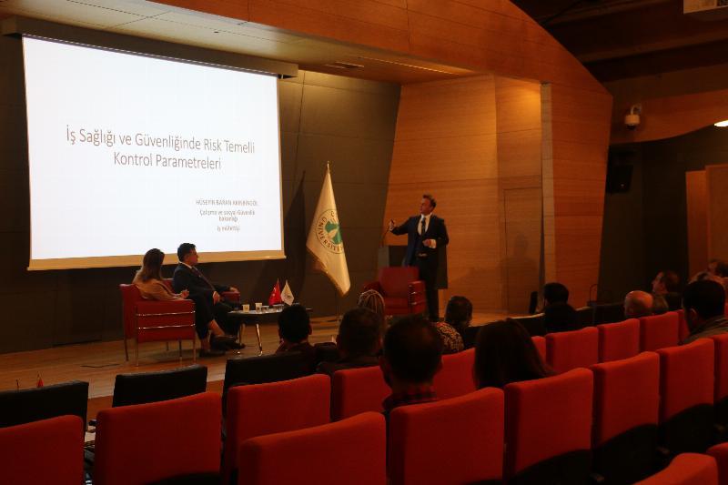 Üsküdar Üniversitesi'nde 'İş Sağlığı ve Güvenliği' semineri gerçekleştirildi