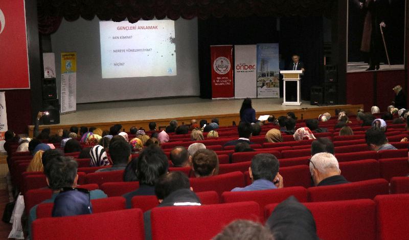 Prof. Dr. Nevzat Tarhan Malatya'da iki farklı konferansta eğitimcilere seslendi! 5