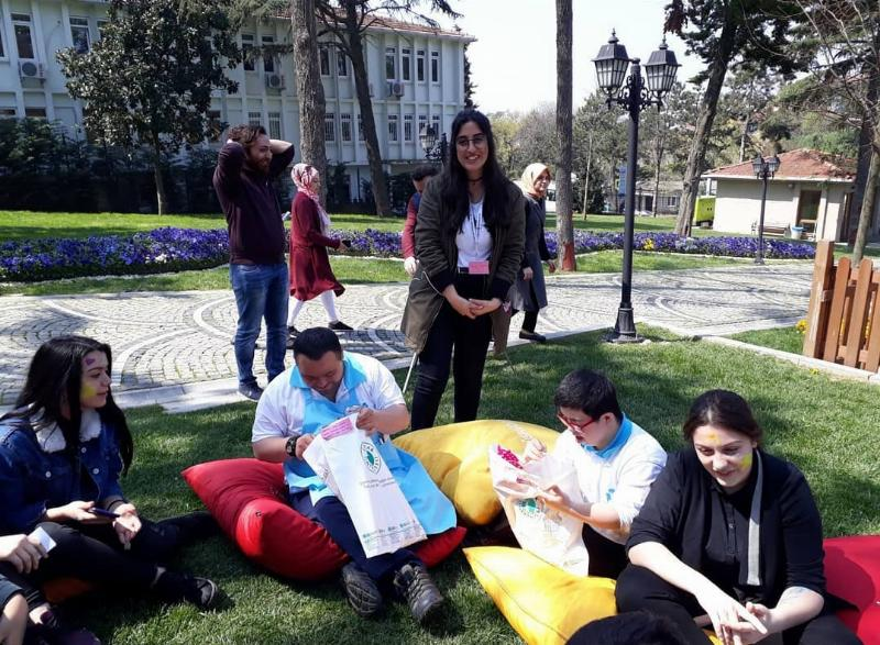 Öğrencilerimiz Down Sendromlu çocukları ziyaret etti 2