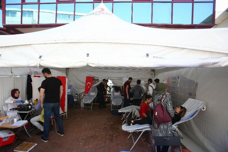 Üsküdar Üniversitesinden kan bağışı