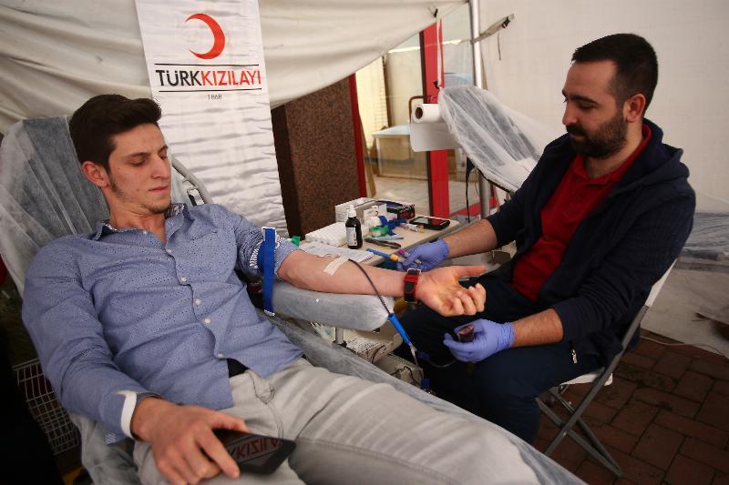Üsküdar Üniversitesinden kan bağışı 2