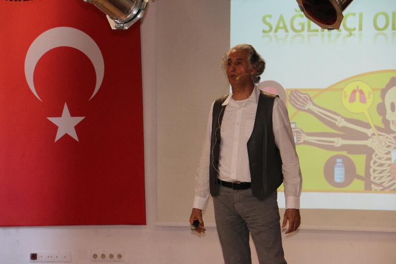 Prof. Dr. Haydar Sur öğrencilerle buluştu 2