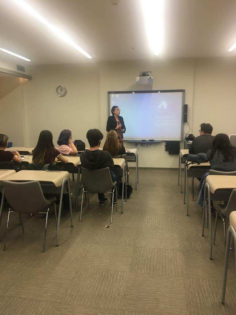 Ünlü haber spikeri Ayşe Olcay İletişim Fakültesinde seminer verdi