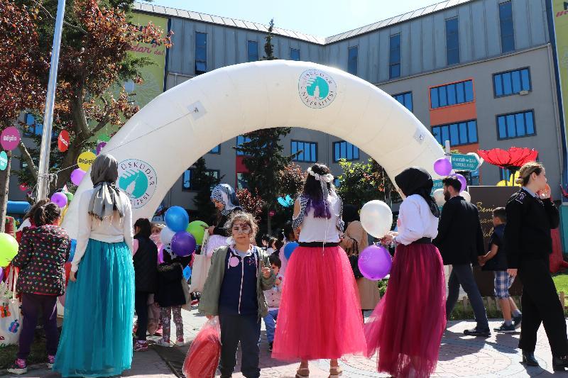 Üsküdar Üniversitesi'nde çocuk şenliği gerçekleştirildi