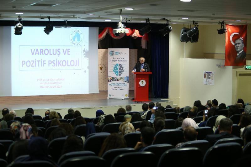 Prof. Dr. Nevzat Tarhan öğretmenlere pozitif psikolojiyi anlattı